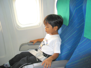 5 Tips to Keep Your Kids Occupied When Travelling