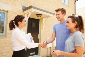 Should You Accept Cash From Tenants?